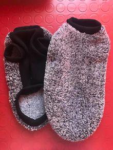 Топли сиви пуловерчета