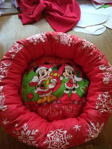 Пухено легло с Мики Маус и Коледни мотиви